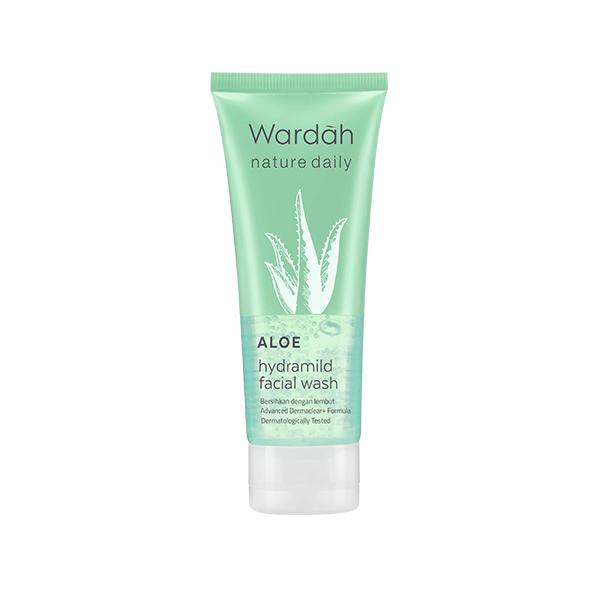 Wardah Nature Daily Aloe Hydramild Facial Wash dan manfaatnya